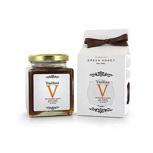 Vasilissa-Wild-forest-Honey-with-Cinnamon-Sticks